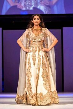 Fashionista Sonam Kapoor stuns and shines at the indian film festival of melbourne , fashion News of Occasional Products