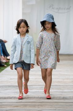 The lovely girl on the left looks like my baby in the future, right @Lianne Lowen Smith Lowen Smith Lee?