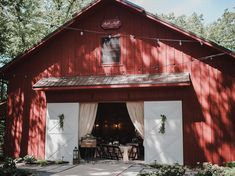 Affordable Wedding Venues Near Me Enchanted Wedding Venues, Michigan Wedding Venues, Chicago Wedding Venues, Luxury Wedding Venues, Rustic Wedding Venues, Inexpensive Wedding Venues, Wedding Locations, Wedding Reception, Wedding Affordable