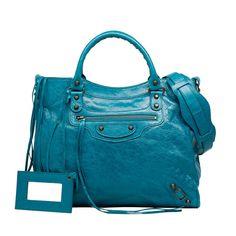 Discover Balenciaga s collections for Women   Men and shop shoes 8c8eeda8f6da7