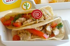 We think this Mini Chicken Tacos recipe for kids is just great for a Cinco de Mayo fiesta party! And, we know kids will agree.
