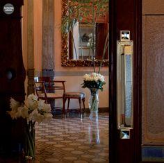 Türgriff mit Rosette oder Langschild, für (BB),(PZ), oder Bad / WC. Mit passende DK Fensterbeschläge, Fenstergriffe. Verfügbar in vergoldete Ausführung. Mit echten Swarovski Kristall