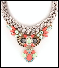 Collar Cavu via P e t i t e