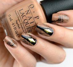 ZigiZtyle: Snakeskin nails