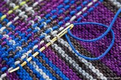 Как можно вышивать по вязаному полотну