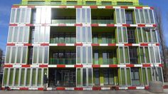 Algae wall with 129 panels with millions micro-algae powers ad heats the building on Hamburg. They are in water and eat CO2