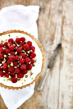 PANEDOLCEALCIOCCOLATO: Crostata ai Lamponi e Camy Cream