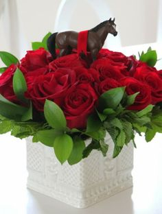 kentucky derby party ideas | Horse and Red Roses Kentucky Derby Centerpiece | DerbyMe.com