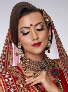 Bridal Gallery :: Khush Mag - Asian wedding magazine for every bride and groom planning their Big Day Muslim Beauty, Bridal Gallery, Special Occasion Hairstyles, High Fashion Looks, Asian Bridal, Diy Hair Accessories, Just Married, Bridal Make Up, Diy Hairstyles