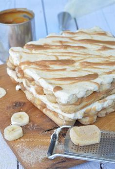 Banana tiramisu with dulce de leche – Carola Bakt Zoethoudertjes – Kuchen – edessert Sweet Recipes, Snack Recipes, Dessert Recipes, Snacks, No Bake Desserts, Delicious Desserts, Yummy Food, Tiramisu Dessert, Pin On