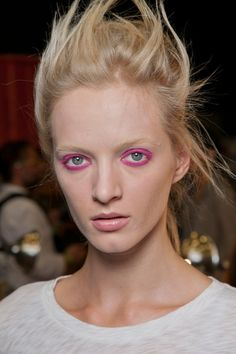Pink Eye-  Spring/Summer Makeup Trends 2013