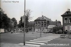 Foto 1966, inkijk Landstraat vanaf de Vredekerk recht voor villa 'Sunny Homestead'  rechts huizerweg nr. 2 De villa werd afgebroken in 1967