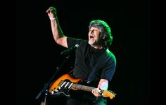 Alabama guitarist and vocalist Randy Owen performs on the Mane Stage.