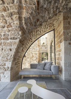 Image 45 of 71 from gallery of Old Jaffa House 4 / Pitsou Kedem Architects. Photograph by Amit Geron Metal Cladding, Wall Cladding, Architecture Old, Contemporary Architecture, French Interior, Interior Design, Old Jaffa, Pitsou Kedem, Ancient Buildings