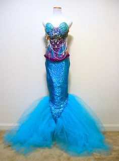 I like how the skirt comes to a V where it meets the tail. Mermaid Rave Bra Corset The Little Mermaid by PlurAngelCollection Mermaid Bra, Mermaid Crown, Mermaid Tails, Mermaid Dresses, Tattoo Mermaid, Creative Costumes, Diy Costumes, Cosplay Costumes, Halloween Costumes