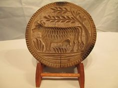 Wooow!!! great cow carving!!! 4.25 in wide x 2.75 in high w/handle!!! estimated early to mid 19th century