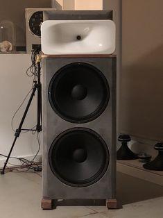 Open Baffle Speakers, Pro Audio Speakers, Diy Speakers, Built In Speakers, Hifi Audio, Subwoofer Box Design, Speaker Design, Concrete Design, Loudspeaker