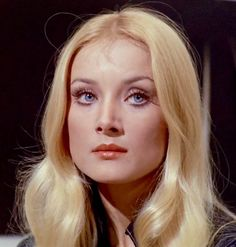 Barbara Gutscher Filmography as Actress: L'anatra all'arancia 1975 Director: Luciano Salce Starring: Ugo Tognazzi, Monica Vitti Born August 15 1944 Reichenberg (G… Barbara Bouchet, Cool Makeup Looks, Iconic Women, Vintage Beauty, Vintage Hair, Hollywood Glamour, Pretty Woman, Beauty Women, Fashion Beauty