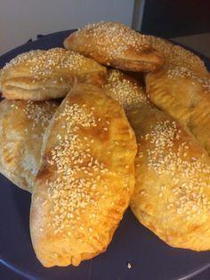 Τυρόπιτες κουρού !!! ~ ΜΑΓΕΙΡΙΚΗ ΚΑΙ ΣΥΝΤΑΓΕΣ 2 Pasta, Bread, Snacks, Cooking, Sweet, Food, Mini, Kitchen, Candy