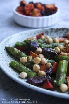 spárgasaláta gluténmentes recept Kung Pao Chicken, Green Beans, Paleo, Vegetables, Ethnic Recipes, Food, Essen, Beach Wrap, Vegetable Recipes