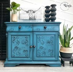 Green Painted Furniture, Blue Furniture, Vintage Furniture, Painted Tables, Diy Pins, Teal Colors, Ikea Hacks, Vintage Green, Boho Style