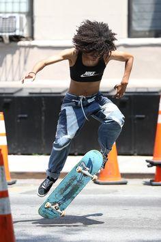 Crystal Moselle Speaks on 'Skate Kitchen' & Skater Girl Culture - Film Skater Girl Style, Skater Girl Outfits, Skate Outfits, Skate Girl, Skate Style Girl, Skateboard Girl, Skateboard Outfits, Skateboard Fashion, Jaden Smith