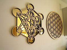 Metatron's Cube golden mirror wall decoration by FlowRingCreations Sacred Geometry Art, Sacred Art, Sacred Symbols, Golden Mirror, Shri Yantra, Yoga Studio Design, Platonic Solid, Talisman, Crystal Grid