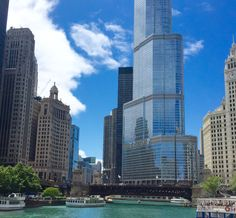 We heart Chicago and love everything about The Windy City. If you're coming to visit, here are some of the best Chicago photo ops. Say cheese!