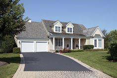 Votre expert pour l'installation et la r�paration de portes de garage R�sidentiel, Commercial et Agricole.