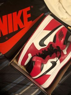 outlet store 9d228 f8d25 Details about Nike Air Jordan 1 Retro High OG Chicago 2015 Sz 10 1 2 Red  White Black