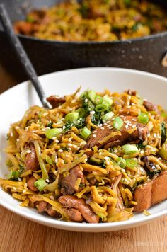 Slimming Eats Asian Chicken with Noodles - gluten free, dairy free, Slimming World and Weight Watchers friendly Healthy Dinner Recipes, Diet Recipes, Healthy Snacks, Chicken Recipes, Cooking Recipes, Recipies, Healthy Dinners, Fast Dinners, Savoury Recipes