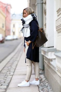 Scarf-Outfit-Ideas-to-try-this-Winter-3.jpg (600×900)