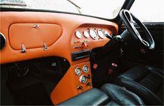 Classic Mini, Interior, Orange. Mini Cooper Classic, Classic Mini, Classic Cars, Mini Morris, Mini Copper, Mini Stuff, Car Stuff, Car In The World, Mini Me
