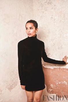 Zoe Kravitz wears black turtleneck dress from Saint Laurent Zoe Kravitz, Zoe Isabella Kravitz, Celebrity Pictures, Celebrity Style, Yves Saint Laurent Beauté, Short Fille, Black Turtleneck Dress, Short Girl Fashion, Edgy Outfits