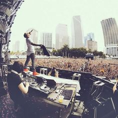 Diplo and Skrillex (Jack U) at UMF!