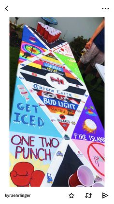 College Crafts, Fun Drinking Games, Little Potatoes, Architecture Design, Cooler Painting, Beer Pong Tables, Sorority Canvas, Sorority Paddles, Sorority Crafts