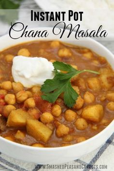 This classic Indian dish is a definite favorite in our household. We cook chickpeas with tomatoes, onions, and garlic and many other aromatic spices to make a flavorful vegetarian dish that works well all by itself or served with rice or warm naan. Indian Food Recipes, Whole Food Recipes, Cooking Recipes, Healthy Recipes, Vegetarian Recipes Instant Pot, Instapot Vegetarian Recipes, Indian Vegetarian Recipes, Vegetarian Lunch, Irish Recipes