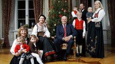 The Norwegian royal family around Christmas, l. to r.; Princess Märtha Louise, Maud Behn, Leah Behn, Queen Sonja, King Harald V, Marius Hoiby, Prince Haakon, Princess Ingrid, Princess Mette-Marit and Prince Sverre
