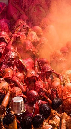 Holi Festival World Of Color, Color Of Life, Holi Festival Of Colours, Holi Special, Wow World, Hindu Festivals, India Colors, Home Decor Paintings, Colour Red