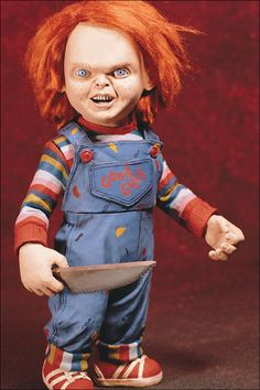 Chucky is a very recognizable slasher villain who ranks up there with Freddy and Jason in popularity and while he isn't my favorite he's still pretty cool. Scary Movie Characters, Mexican Moms, Mexican Humor, Que Horror, Childs Play Chucky, Creepy Stories, True Stories, Horror Icons, Creepy Dolls