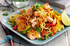 It doesn't take long to whip up Slimming World's spicy hot-smoked salmon noodles. This healthy stir-fry combines salmon fillets with a light soy sauce and lots of veggies, including onion and carrot. Slimming World's spicy hot-smoked Spicy Salmon, Stir Fry Recipes, Cooking Recipes, Healthy Recipes, Healthy Meals, Seafood Recipes, Dinner Recipes, Fish Recipes, Smoker Cooking