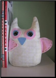 Free pattern: Owl softie bookends · Sewing | CraftGossip.com