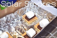 It's Day 8 of our 101 Days of Summer Fun for Kids. I tried this experiment with the girls almost two years ago! They still remember it! You need a nice, hot day, but this Solar S'mores Experiment makes a great snack and science investigation! Food Science, Science For Kids, Science Activities, Science Projects, Summer Activities, Science Experiments, Summer Science, Preschool Science, Elementary Science