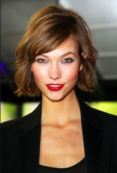 29 of the Best Bob Haircuts in History - The Cut (après mariage pour cheveux fins) Hair Styles 2014, Medium Hair Styles, Short Hair Styles, Best Bob Haircuts, Bob Hairstyles, Haircut Bob, Wedding Hairstyles, Short Brown Haircuts, Haircut Medium