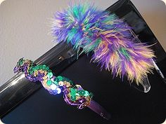 Mardi Gras headbands Mardi Gras Beads, Mardi Gras Party, Diy Headband, Headbands, Madi Gras, Kids Hair Clips, Dress Up Day, Diy Ideas, Craft Ideas