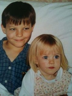 Lottie and Lou! Wow, Lottie has big blue eyes *-* One Direction Louis Tomlinson, Fetus One Direction, One Direction Pictures, Louis E Harry, Louis Tomlinsom, Tomlinson Family, Lottie Tomlinson, Nicole Scherzinger, Liam Payne