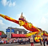 Bloemencorso Zundert 2014 Stuns Visitors with Amazing Dahlia-Studded Floats at World's Largest Flower Parade   Inhabitat - Sustainable Design Innovation, Eco Architecture, Green Building