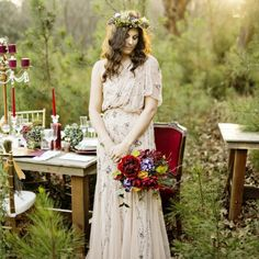 Beautiful boho luxe wedding inspiration with the most stunning Adrianna Papell gown!