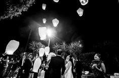 Il lancio delle lanterne è un momento intenso, in termini di emozioni che si provano, e un matrimonio è sicuramente un'ottima occasione per viverle. Scoprite insieme a noi 5 buoni motivi per organizzarlo.