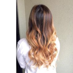 """""""Hair by Mikey @mikeyxjunior (Crafter 1): Balayage styled with Kevin.Murphy Hair.Resort Spray, Sealed Ends, and Shimmer.Shine at #tribecacolorsalon #tribecasouthtampa #behindthechair #hairstyles #hairsalon #hairofinstagram"""""""